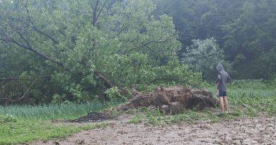 Olujno nevrijeme zahvatilo područje Gradačca, Modriče i Srebrenika