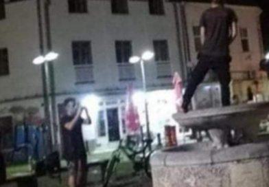 Policija otkrila ko je urinirao u fontanu u Tuzli