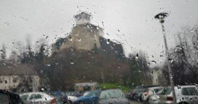 Danas oblačno i kišovito, očekuje se kratkotrajno razvedravanje
