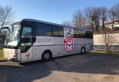 Autobus sa logom Zvijezde